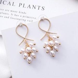 Minimalist Pearl Cluster Gold Drop Earrings